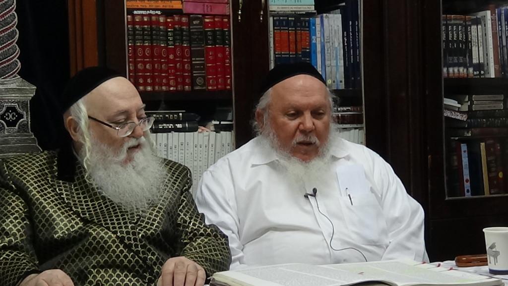 האדמור מהאלמין עם רבי יצחק ראובני ב יתרו בלימוד הקבלה הלכות קידוש (3)