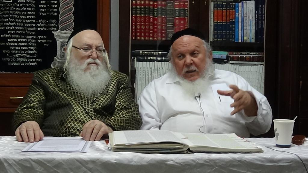 האדמור מהאלמין עם רבי יצחק ראובני ב יתרו בלימוד הקבלה הלכות קידוש (7)
