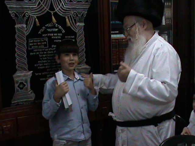 האדמור מהאלמין רבי שלום יהודה גרוס אבות ובנים שבת הגדול (16)