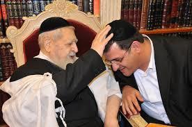 """הזמר אבי בן ישראל עם מרן עובדיה יוסף זצ""""ל"""